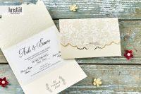 invitatii nunta 70344 elegante crem cu fundita