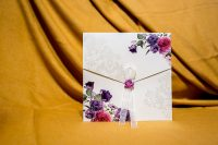 invitatie nunta 4077 clasica eleganta moderna cu flori violet